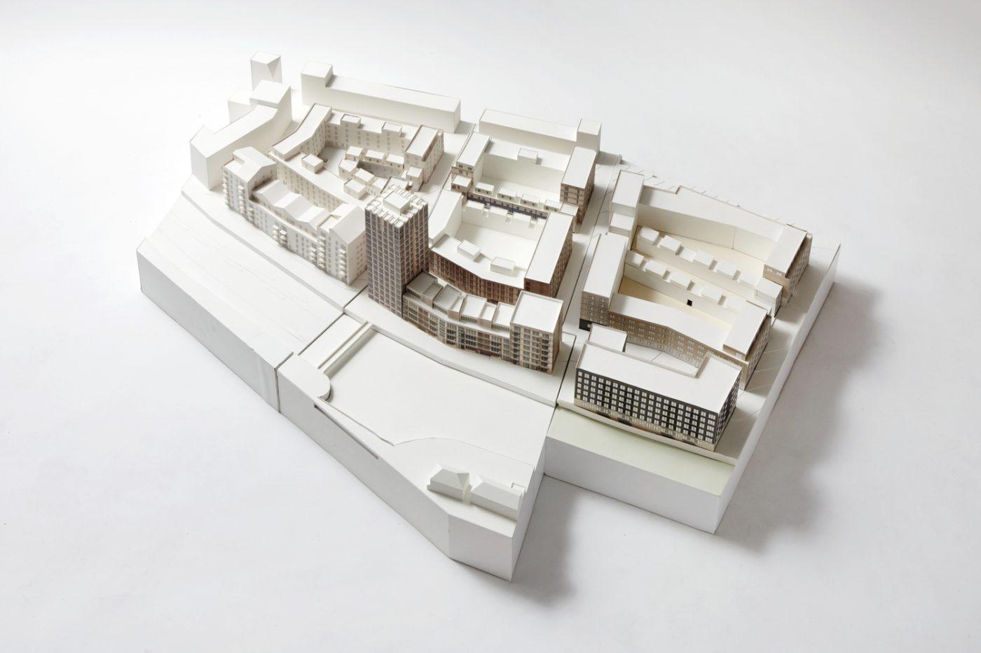 1520 Strand East R2 Model