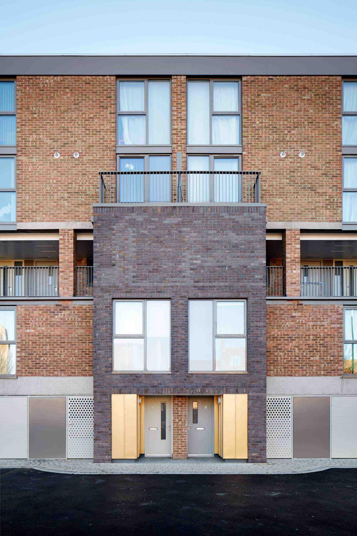 Hillington Square 02